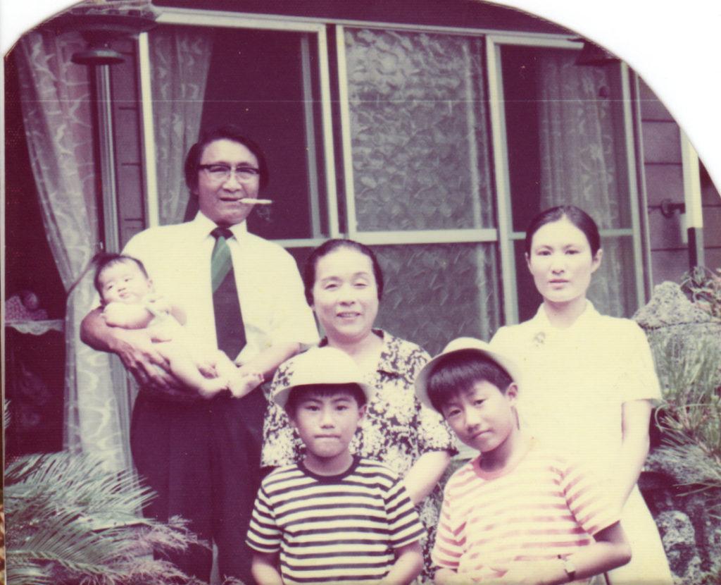 祖父と祖母と母と兄弟